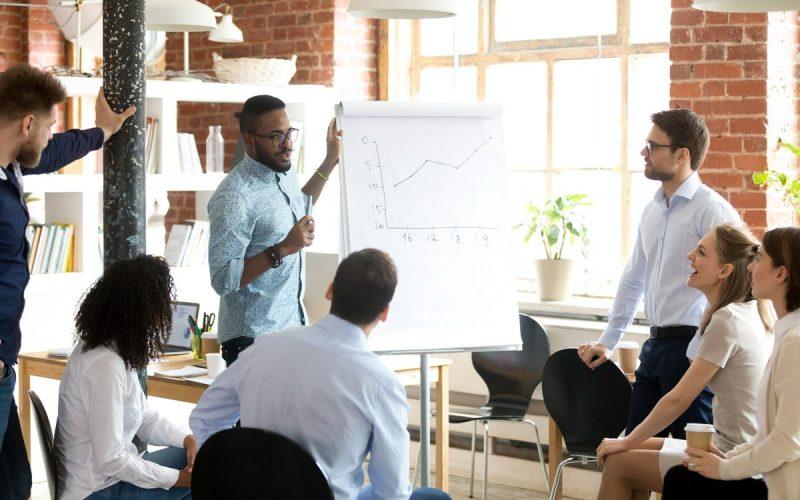 Une réunion dans une auto-entreprise